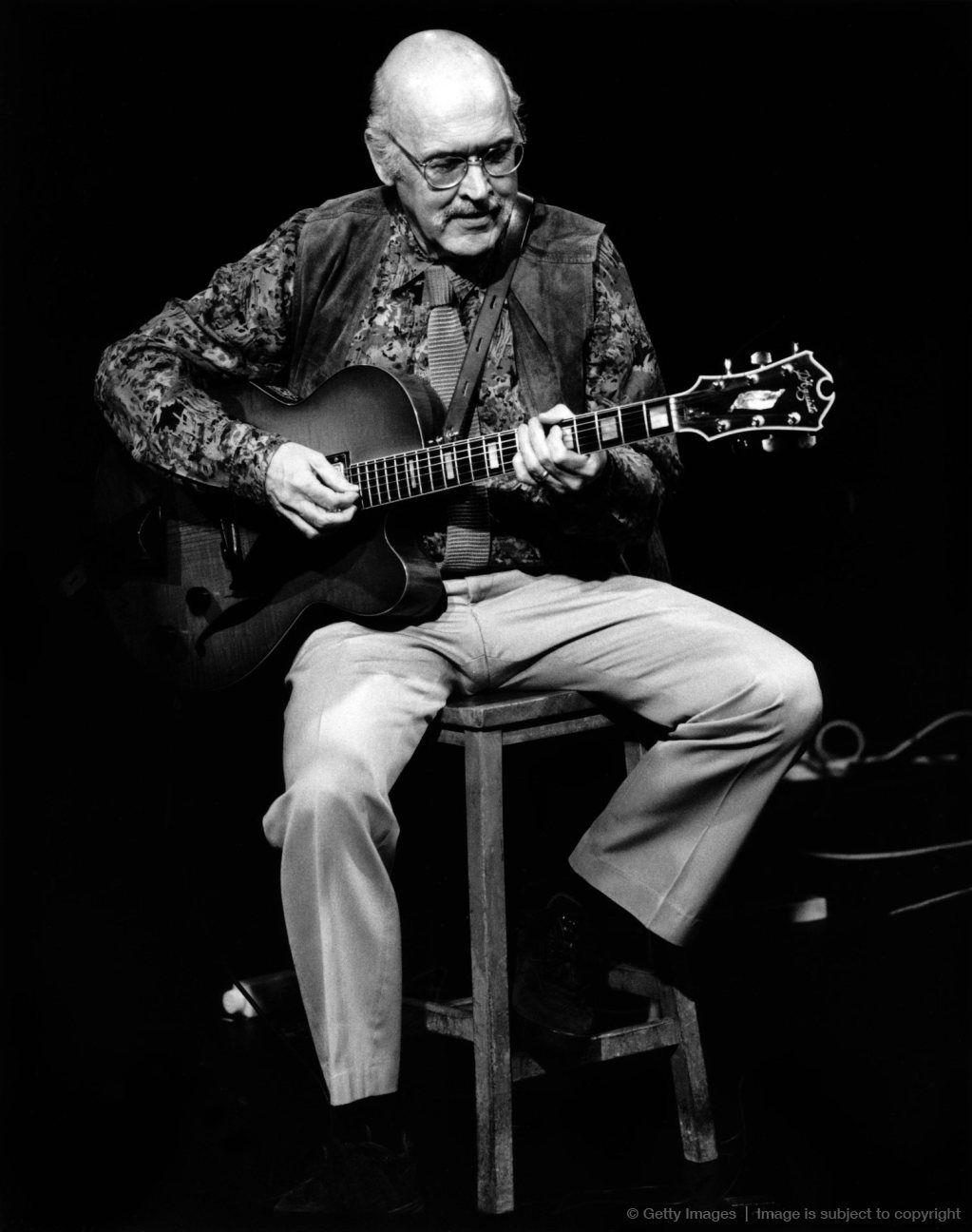 2 90년대 텔락 레이블 시절 기타리스트 짐 홀.jpg