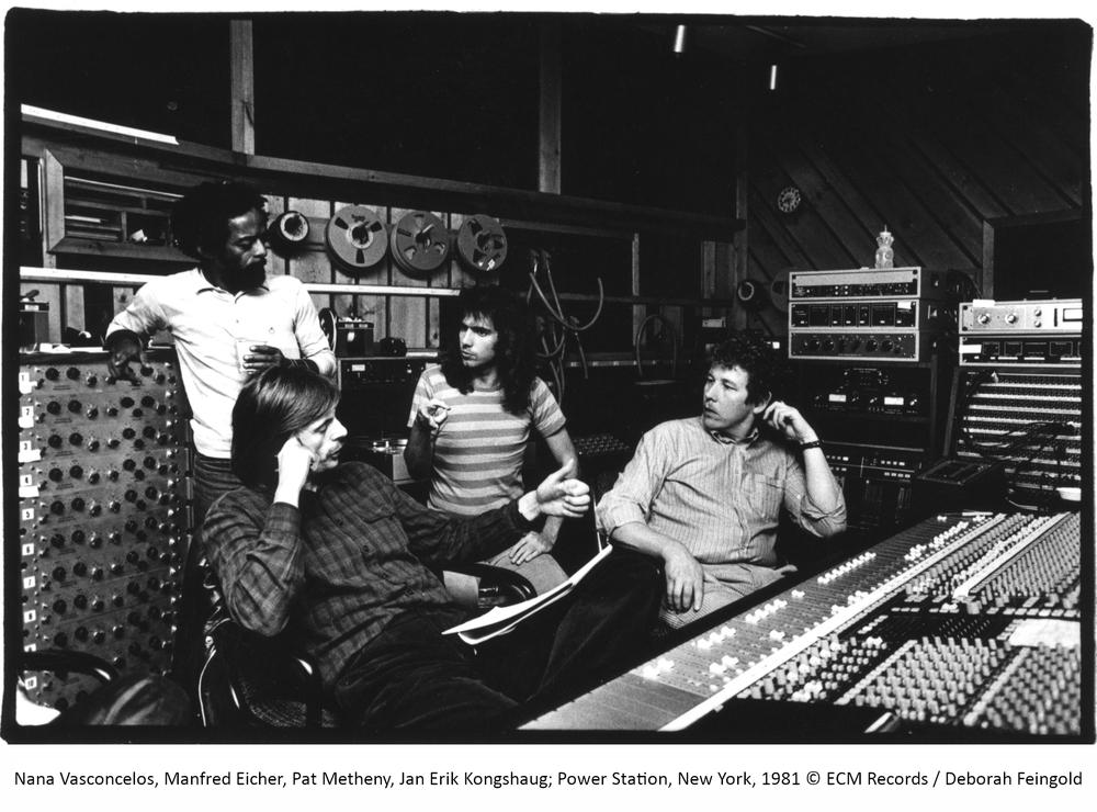 2 1981년 뉴욕의 파워스테이션 스튜디오에서 팻 메시니의 앨범 Offramp를 녹음할때의 모습. 맨 오른 쪽이 얀 에릭 콩샤우이다.jpg
