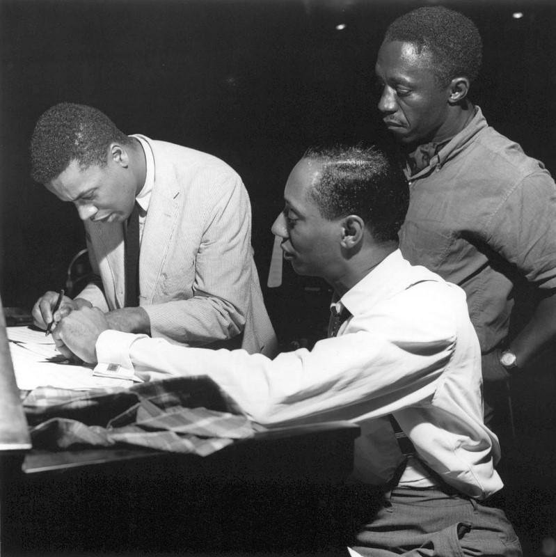 3 1964년 웨인 쇼터와 커티스 풀러와 함께 있는 아트 블레이키.jpg